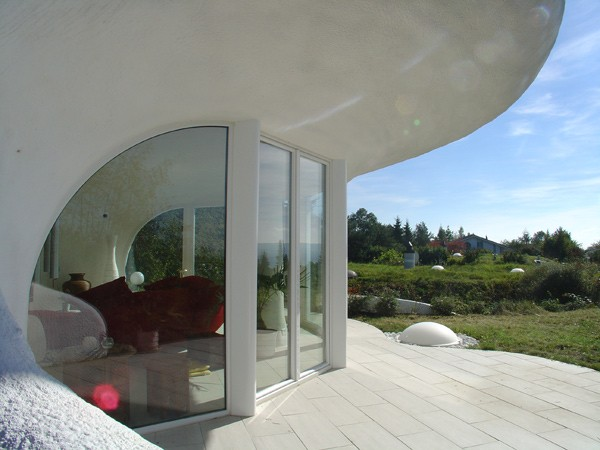 Architecture architectures hotels interiors restaurants for Earth house switzerland
